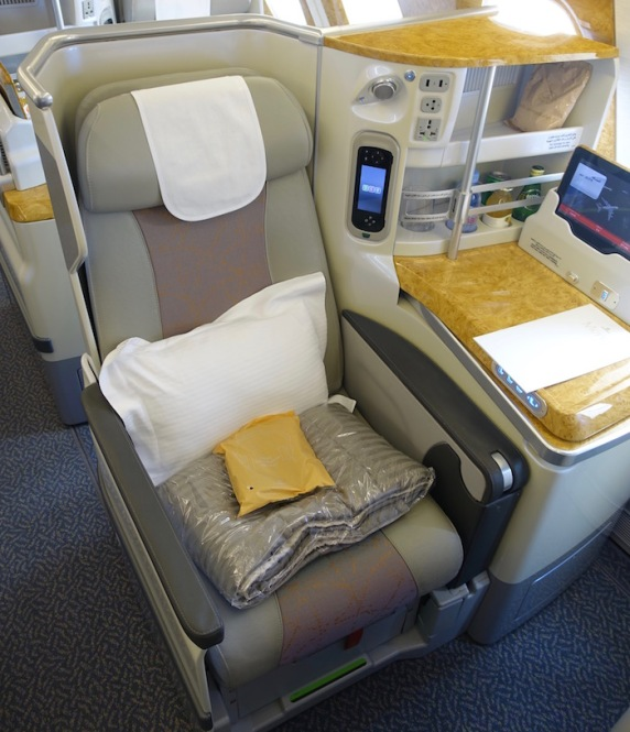 Emirates-Business-Class-A380-6
