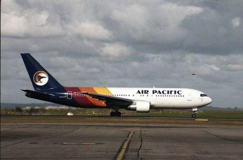 Air Pacic 1990