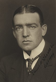 220px-Ernest_Shackleton_before_1909