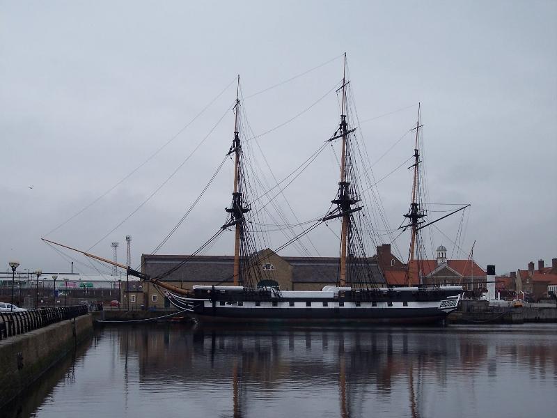 HMS_Trincomalee_at_Hartlepool_2010_(800x600)