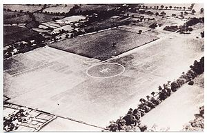 300px-Manchester_(Wythenshawe)_Aerodrome_1929
