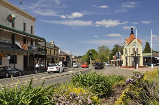 mittagong-nsw-main-street