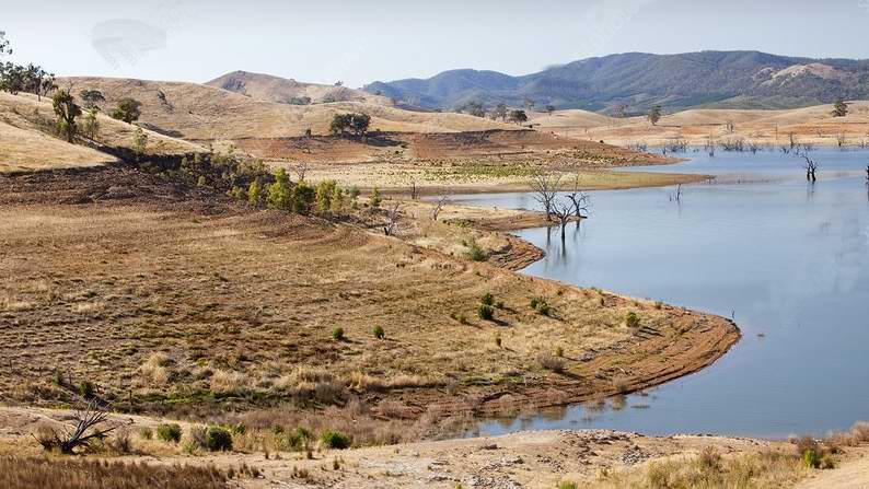 C0261265-Lake_Eildon_in_drought,_Australia