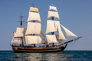 HMS_BOUNTY_II_with_Full_Sails