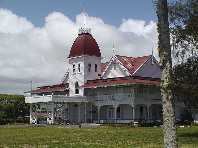 640px-Tonga_Royal_Palace_Oct_08